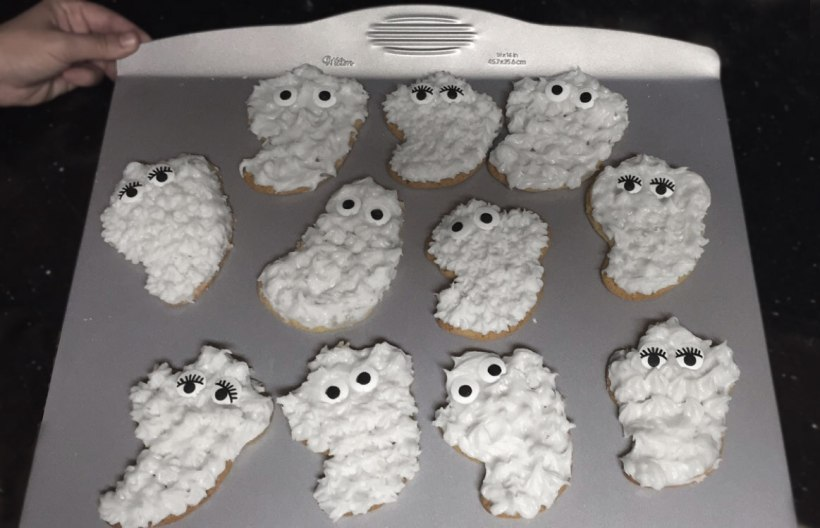 Ghost-pan-baked-w-frosting